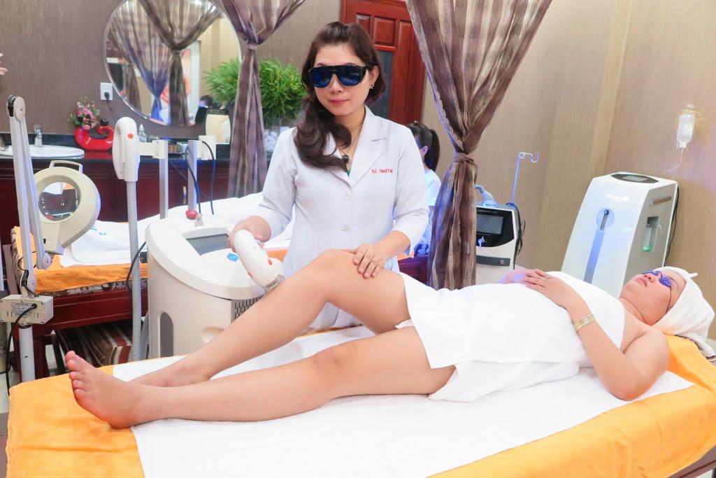triet long o tham my vien Nguyen Du (2)
