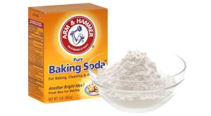 Làm sạch và khử mùi vùng nách bằng soda